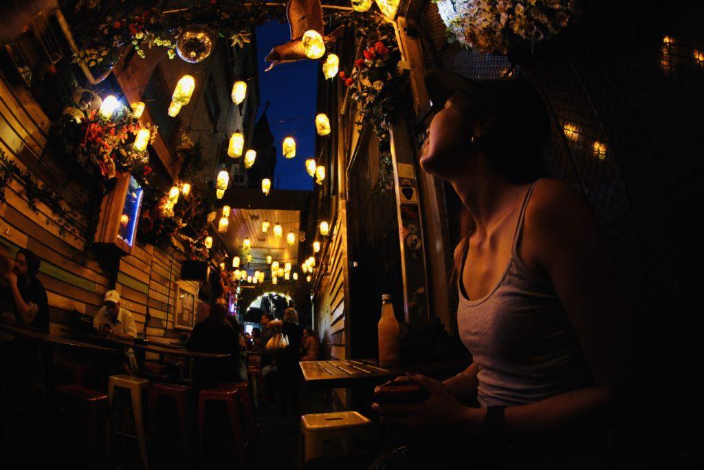 チャックルパークバー カフェ,chuckle park bar and cafe,