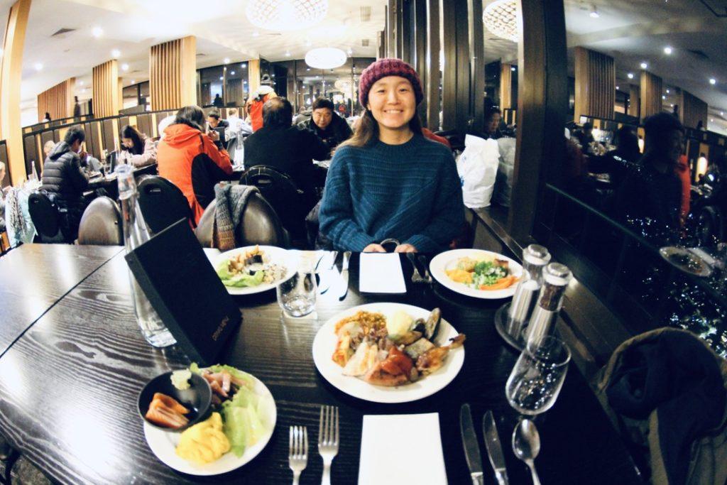 スカイラインのレストラン