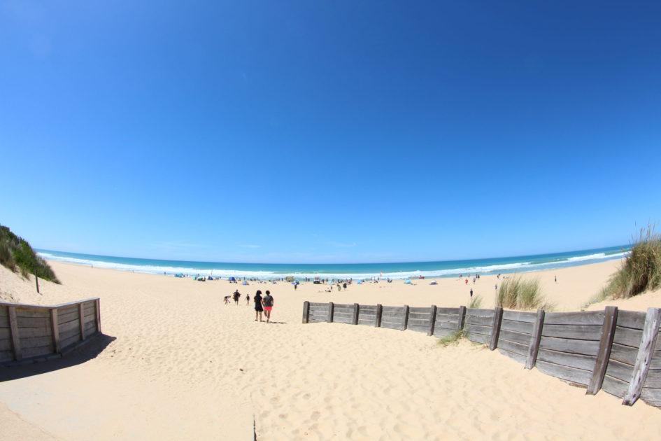レイクス・エントランスのビーチ