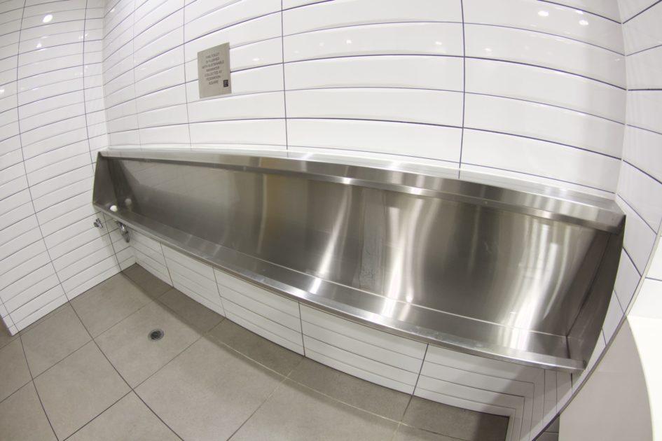 オーストラリアの男子トイレ